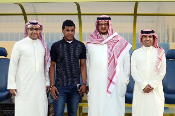 ايمن فتيني يلعب بالخليج رسميآ المواطن- الرياض وافقت إدارة نادي النصر رسمياً على إعارة اللاعب أيمن فتيني لنادي الخليج حتى نهاية الموسم