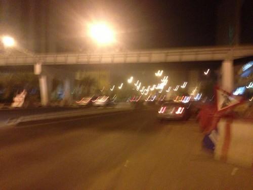 مواطن يوثق تعثر مشروع جسر للمشاة بمكة - المواطن