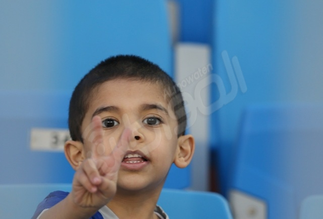 لقطات من جمهور المنتخب الإماراتي والمنتخب العماني - المواطن