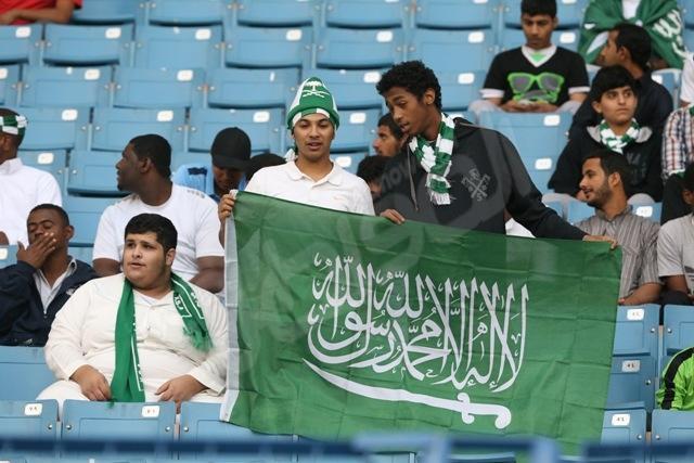 """""""المواطن"""" ترصد بالصور الجمهور السعودي واليمني قبل لقاء """"درة الملاعب"""""""