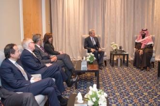 ولي العهد يلتقي رئيس وأعضاء النادي الاقتصادي في نيويورك - المواطن