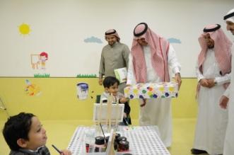 بالصور.. مدير جامعة الملك خالد يزور جمعية الأطفال المعوقين في أبها - المواطن