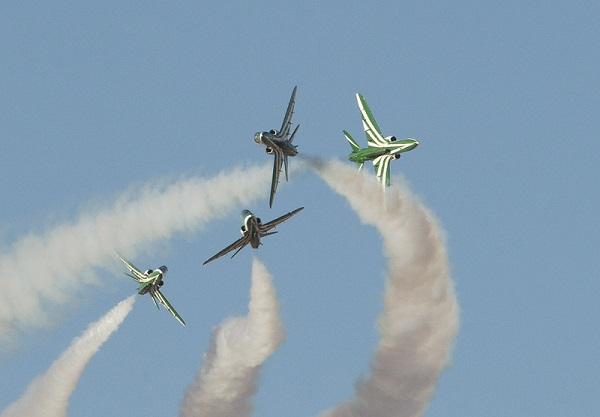 صقور السعودية يستعرضون في سماء محافظة العلا