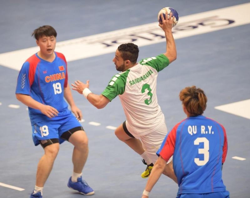 بالصور .. السعودية تهزم الصين في بطولة كأس آسيا لكرة اليد