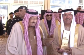 بالصور.. خادم الحرمين يكرم الفائزين بجوائز مهرجان الملك عبدالعزيز للإبل - المواطن