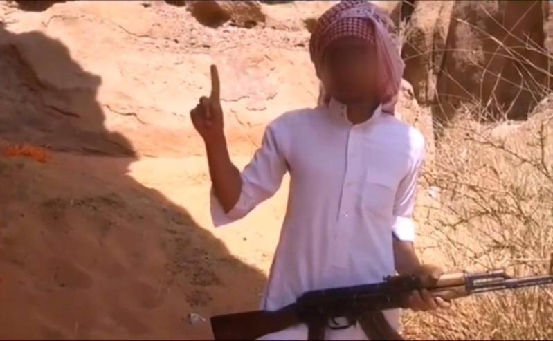 القتل والصلب بحق الداعشي قاتل ابن عمه في حائل