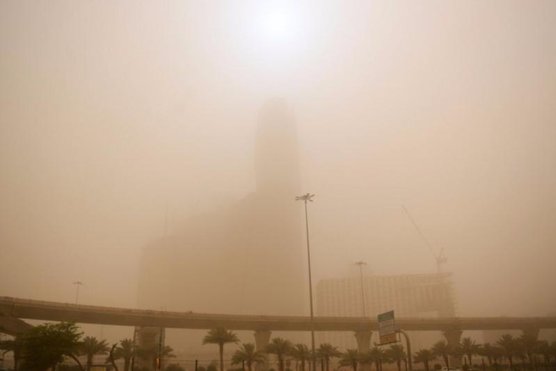 طقس الأربعاء .. غبار وسحب رعدية على 7 مناطق