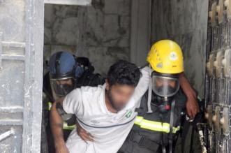 بالصور.. إنقاذ رجل وابنه احتجزتهما النيران في حريق شقة بالطائف - المواطن