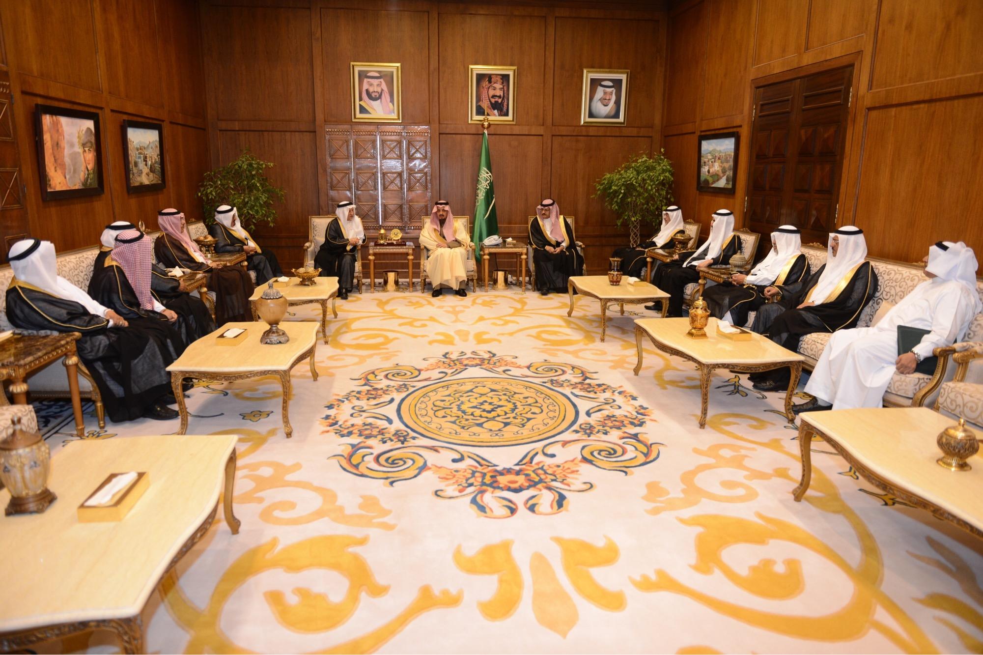 بالصور.. اتفاقية بين جمعية العناية بالمقابر وأمانة عسير - المواطن