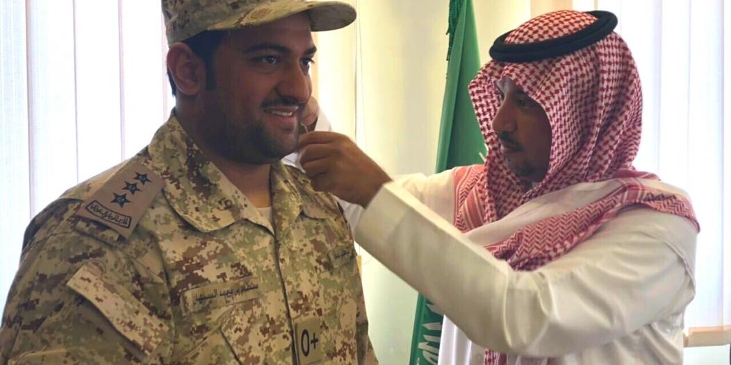 بالصور.. أمير الفوج الـ24 بالخفجي يقلد السبهان رتبته الجديدة