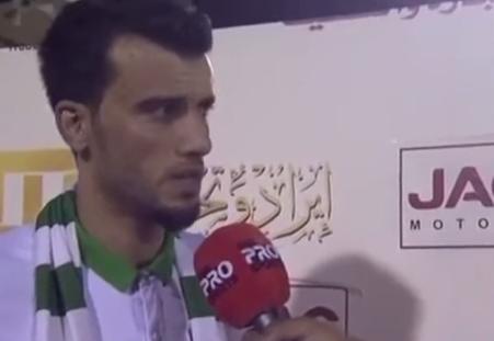 لاعب الأهلي السعودي عمر السومة يبارك بالخطأ لنادي القادسية بالفوز - المواطن