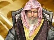 """الشيخ """"الفوزان"""" ينهي برنامج """"الفتاوى"""": حانت الصلاة"""
