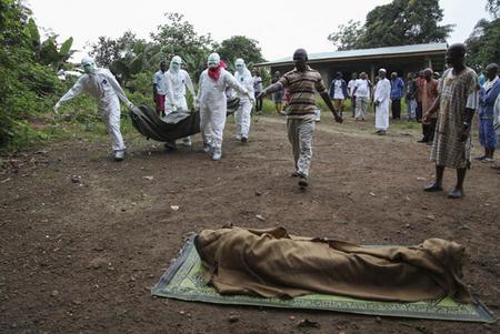 في سيراليون.. إيبولا يقضي على سكان قرى بأكملها - المواطن