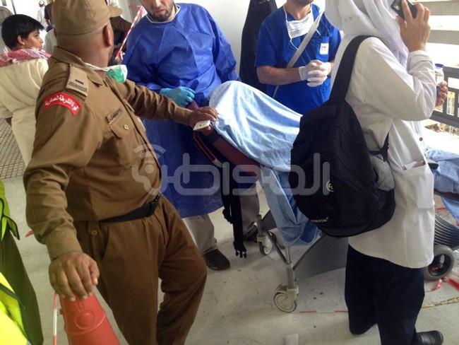 بالصورة.. وفاة حاج أثناء طواف الوداع - المواطن