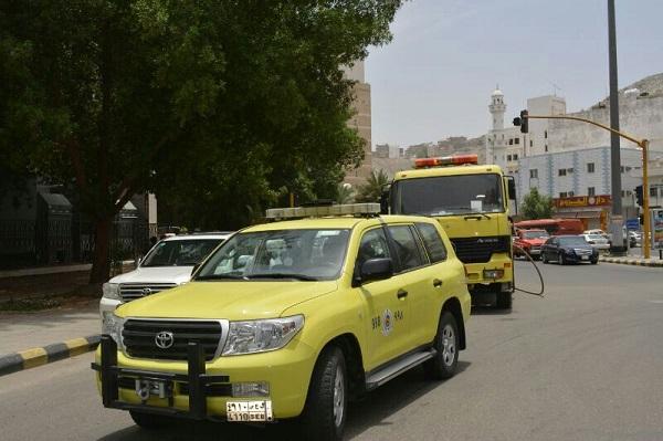 مدني مكة يخمد حريقا شب بنخيل الأمانة