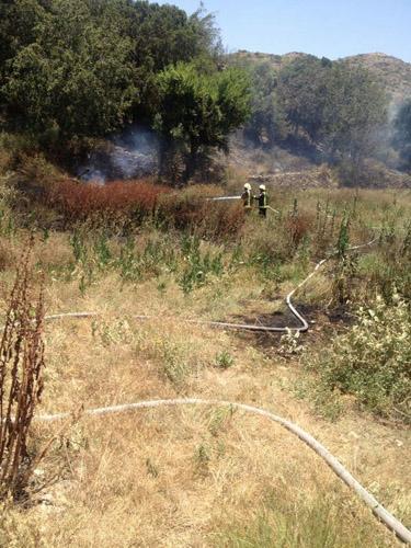 حريق يمتد على مساحة 1500 متر مربع بالمندق - المواطن