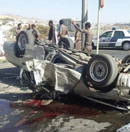 """وفاتان و5 إصابات في حادث انقلاب """"فورد"""" بأبها - المواطن"""