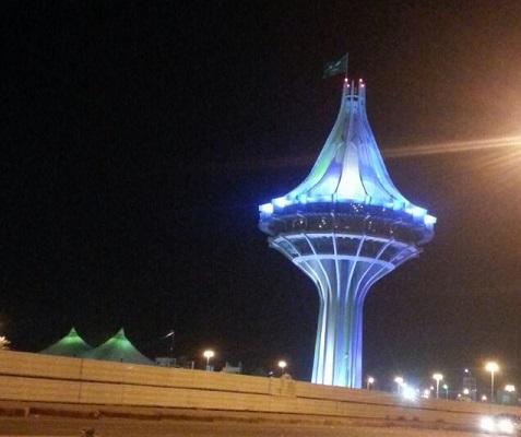 برج الخرج يتزين براية التوحيد في ليلة النهائي الخليجي صحيفة المواطن الإلكترونية