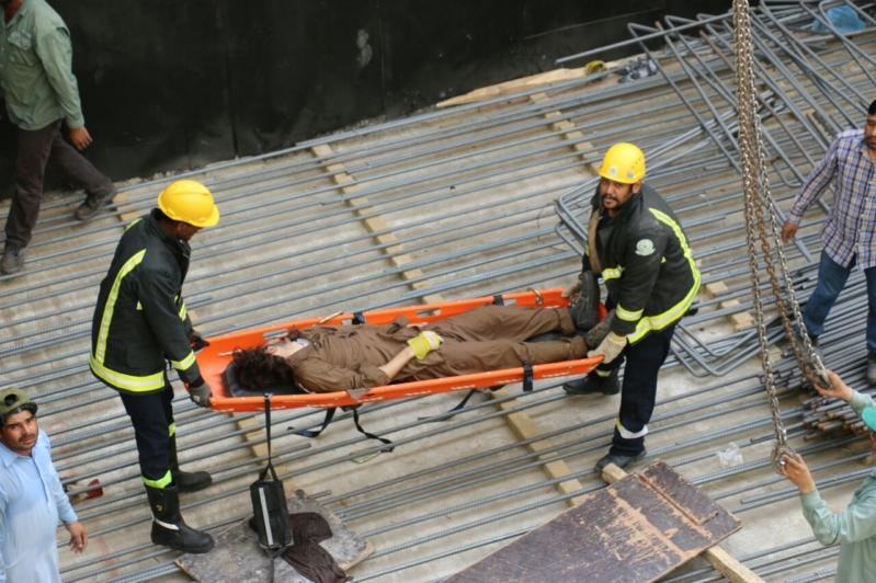 سقوط عامل باكستاني ووفاته بمكة