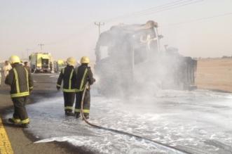 بالصور.. مدني الجوف يسيطر على حريق ناقلة وقود شرق القريات - المواطن