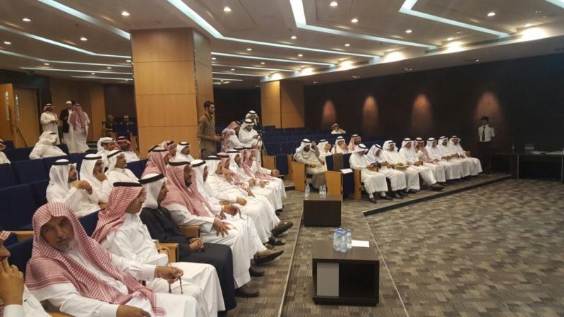 """""""المواطن"""" ترصد الحضور الخجول للمواطنين في لقاء المجلس البلدي بأبها!"""