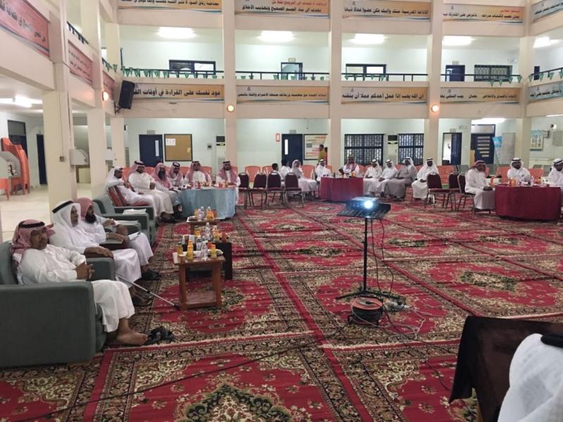 المجلس البلدي بالشواق يعقد لقائه الأول بالأهالي ويعد بالتطوير والتحسين