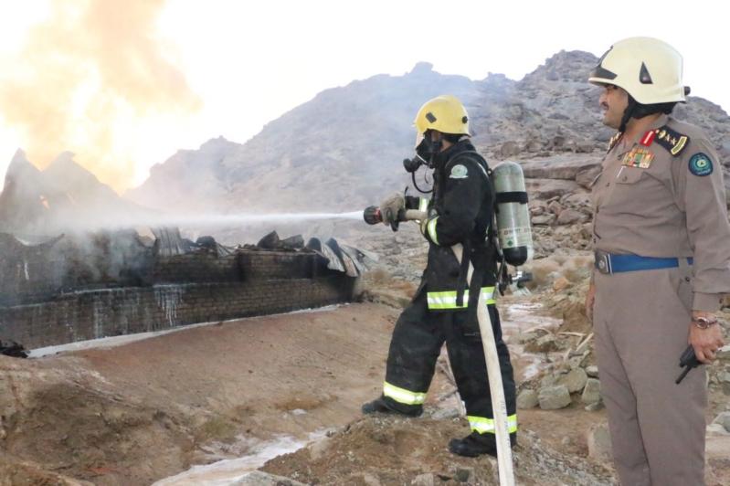 إطفاء حريق مستودع جعرانة