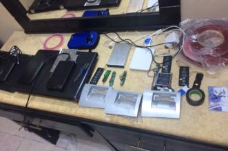 #عاجل .. شرطة مكة تقبض على المحتالين بالصرّافات الآليّة في جدة - المواطن