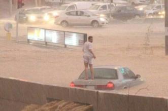 """صاحب الصورة الأشهر في أمطار الباحة يروي لـ""""المواطن"""" حادثة الغرق - المواطن"""