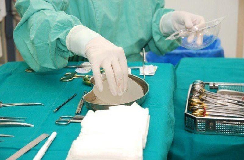 تدخل طبي يُنهي معاناة فتاة من تحدب وانحناء العمود الفقري