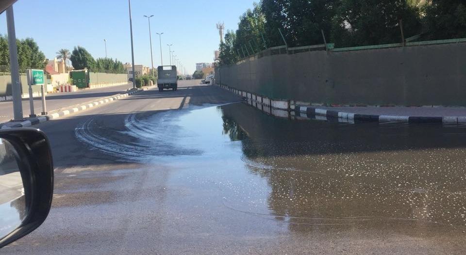 """مياه الشرقية لـ""""المواطن"""": تسرب المياه بمجمع الراكة خارج صلاحياتنا"""