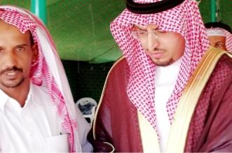 بالصور.. رئيس مركز حميد العلايا لذوي الشهيد آل موهبة: ابنكم مصدر فخرنا - المواطن