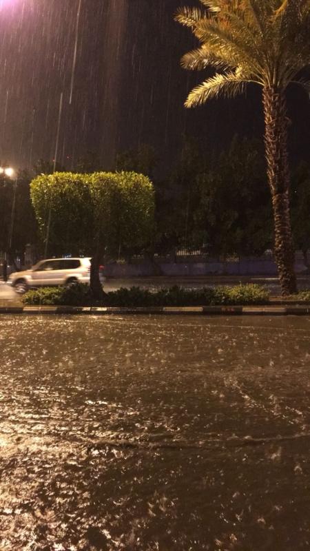 أمطار على مكة وعسير حتى الواحدة صباحًا