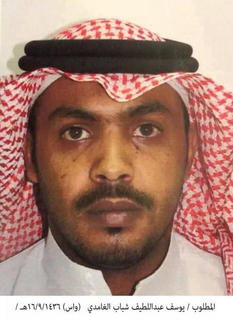 استشهاد رجل أمن في إطلاق نار بالطائف وضبط ثلاثة مشتبه بهم بحوزتهم أعلام #داعش وكواتم صوت - المواطن