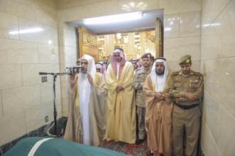 """نائب أمير المدينة يؤدي صلاة الميت على شهيد الواجب """"الرشيدي"""" - المواطن"""