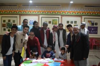 أكثر من 35 مخطوطة للأطفال المعوقين في ورشة الخط العربي بعسير - المواطن