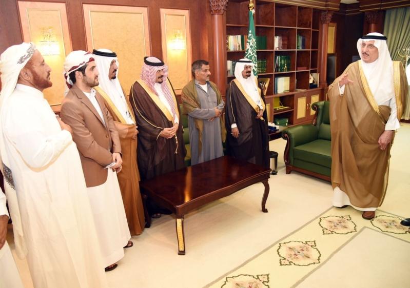 أمير جازان يستقبل أسرة القتيل اليمني