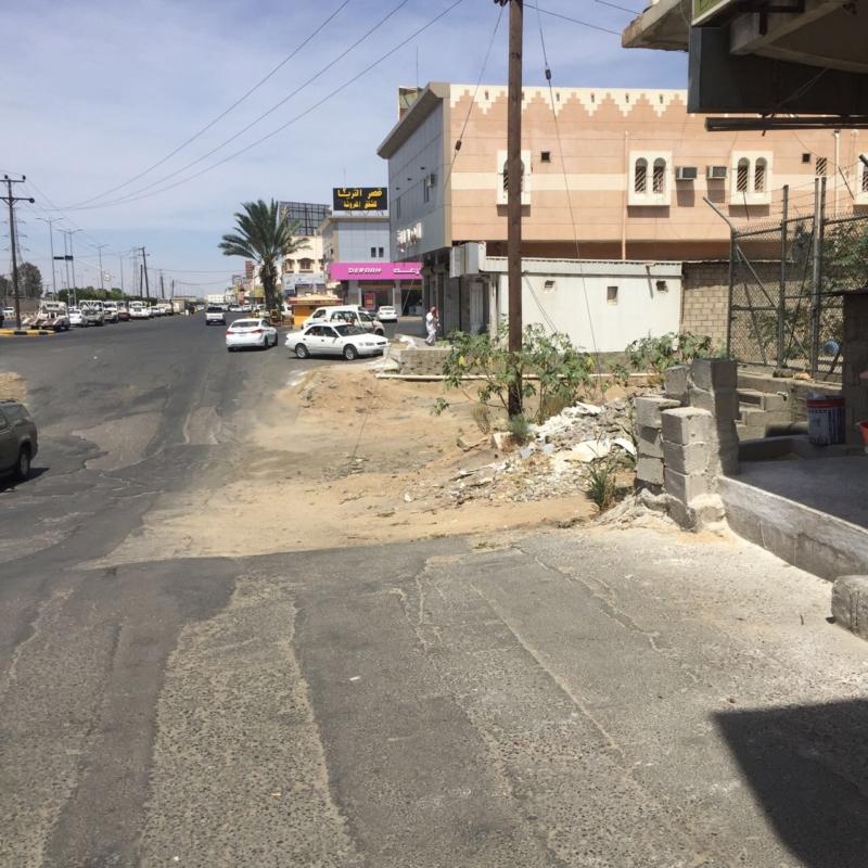 بالصور.. عبارة تصريف المياه تهدد حياة سالكي طريق الملك خالد - المواطن