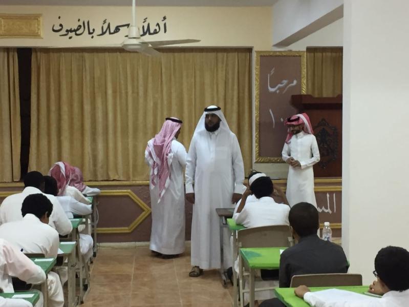 رئيس الشؤون التعليمية بالعرضيات يوجه بتوفير وسائل الراحة للطلاب خلال الاختبارات