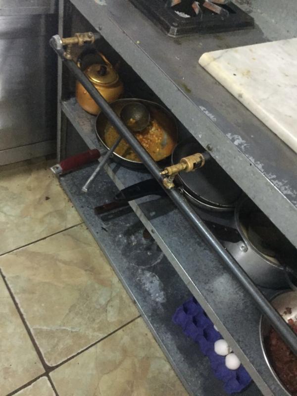 صادمة.. مطاعم تفتقد النظافة وتقدم IMG_4163-2-600x800.jpg