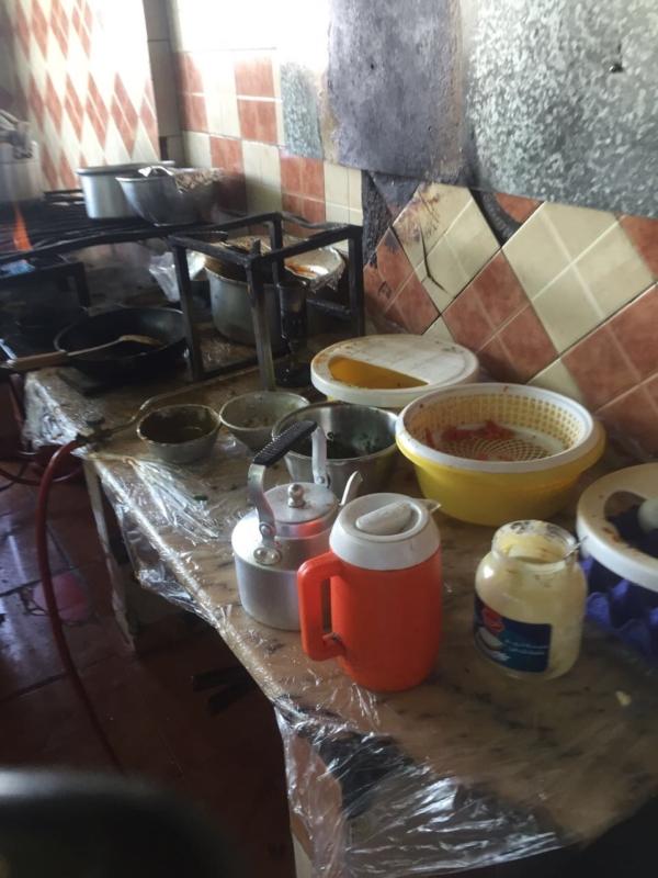 صادمة.. مطاعم تفتقد النظافة وتقدم IMG_4167-3-600x800.jpg