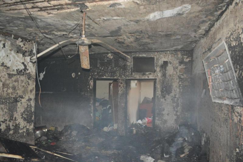 بالصور .. إصابة امرأة بحروق وأخلاء خمسة أشخاص بعد احتراق منزلهم بحائل