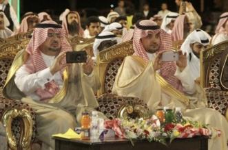 """بالصور.. هكذا تفاعل محافظ محايل ورئيس بحر أبوسكينة مع إحدى فقرات """"مجد بلادي"""" الشعبية - المواطن"""
