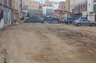 """تجاوبًا مع """"المواطن"""".. البدء في سفلتة شوارع حي المنح بحي موظفين أبها - المواطن"""