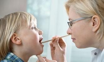 10 طرق طبيعية لعلاج التهاب الحلق عند الأطفال - المواطن