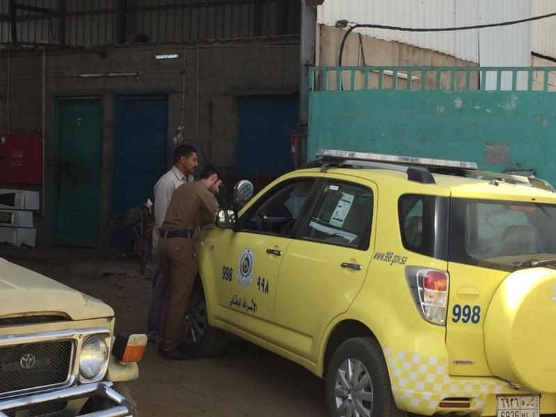 مدني خميس مشيط ينفذ عدة جولات ميدانية للكشف الوقائي على عدد من المنشآت والمستودعات