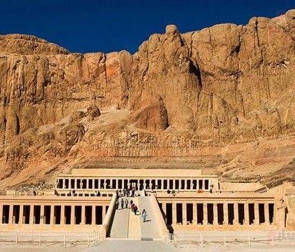 منظمة السياحة العالميه تختار الأقصر المصريه عاصمه للسياحة العالميه لعام 2016