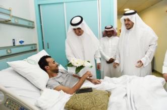 بالصور.. مدير تعليم الرياض يزور مصابي الحد الجنوبي بمستشفى الأمير سلطان - المواطن