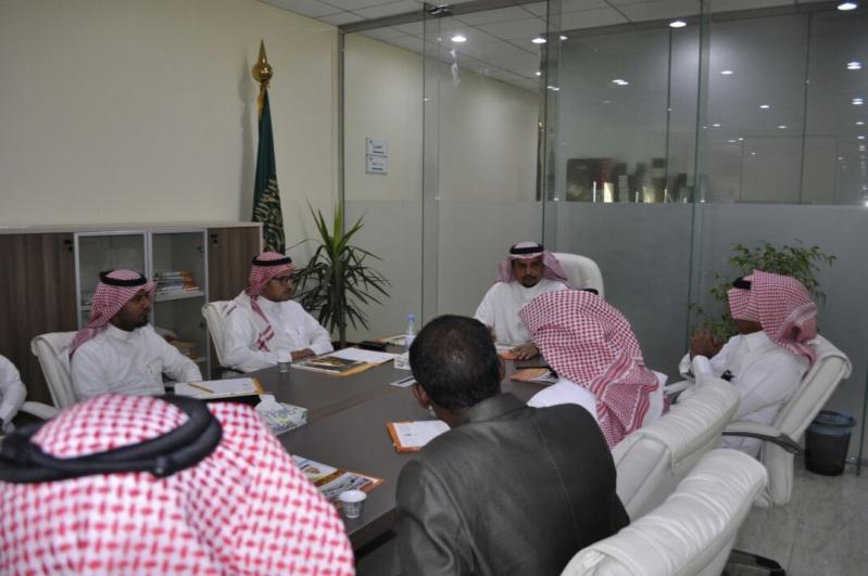 رئيس بلديه خميس مشيط. يستقبل مسؤولي كلية العلوم الطبية التطبيقية بجامعه الملك خالد
