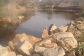 تجمّع للمياه الراكدة في حي النزهة بأحد رفيدة يثير ذعر وتذمّر السكان - المواطن